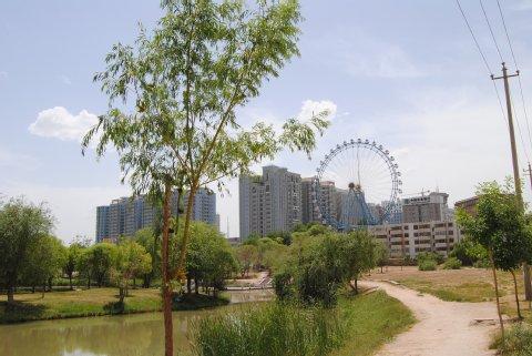 Der moderne Teil Kashgars rückt immer näher - mit einem Gesicht wie überall in China. Foto: Inna Hartwich
