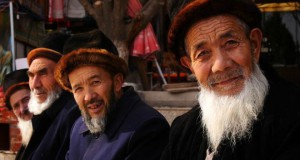 141209155333_xinjiang_uighur_uyghur_old_men_624x351_bbc_nocredit