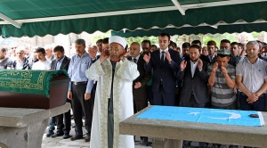 uygur-turkleri-icin-giyabi-cenaze-namazi-138358